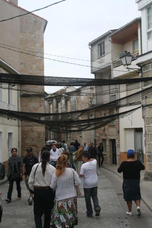 As rúas engalanadas con redes