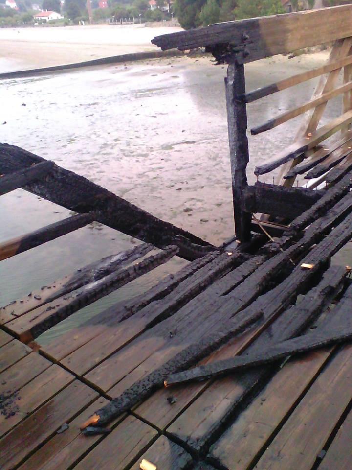 Vandalismo: queiman a ponte de madeira sobre o río Te (3/3)